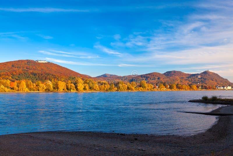 Der Fluss Rhein stockfotos