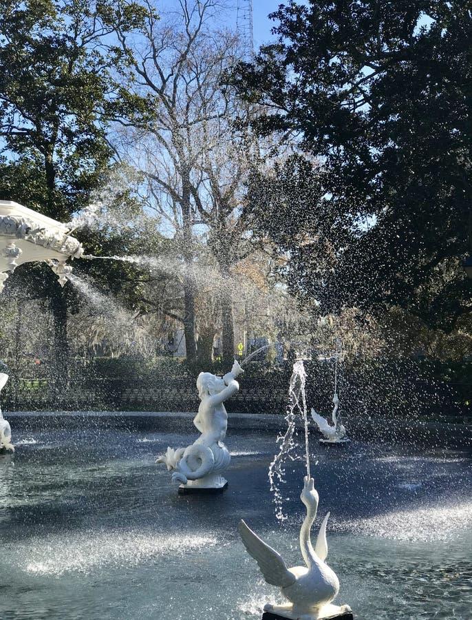 Der Forsyth-Brunnen ist der Grundstein von Forsyth-Park lizenzfreies stockfoto