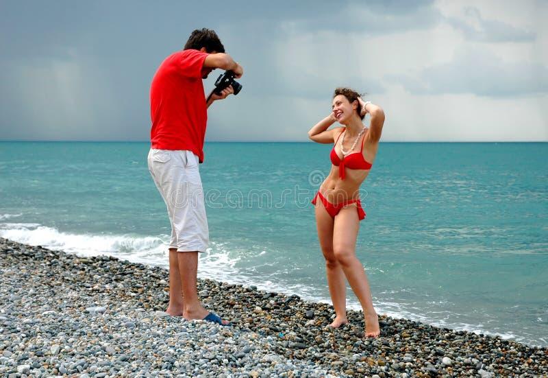 Der Fotograf nehmen Abbildungen ein Baumuster stockfoto