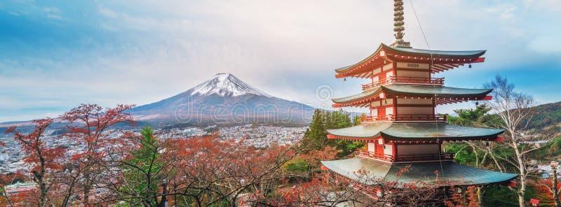 Der Fujisan, Chureito-Pagode im Herbst stockfotos