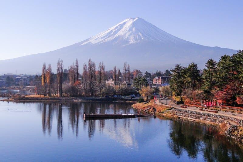 Der Fujisan - ein ikonenhaftes von Japan stockfotografie