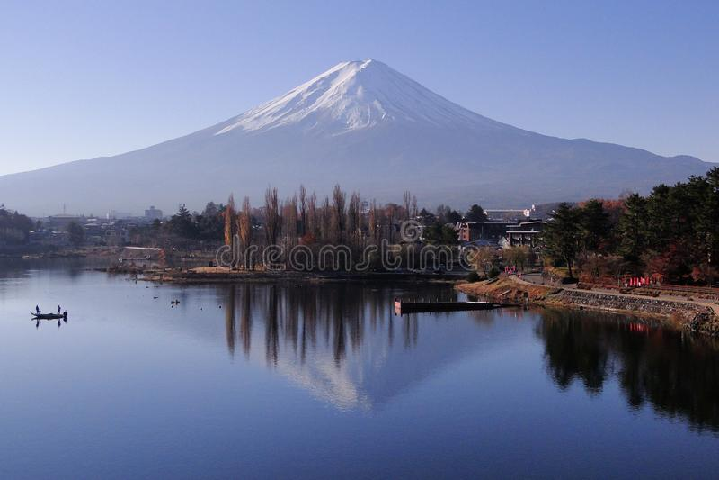 Der Fujisan - ein ikonenhaftes von Japan lizenzfreies stockbild