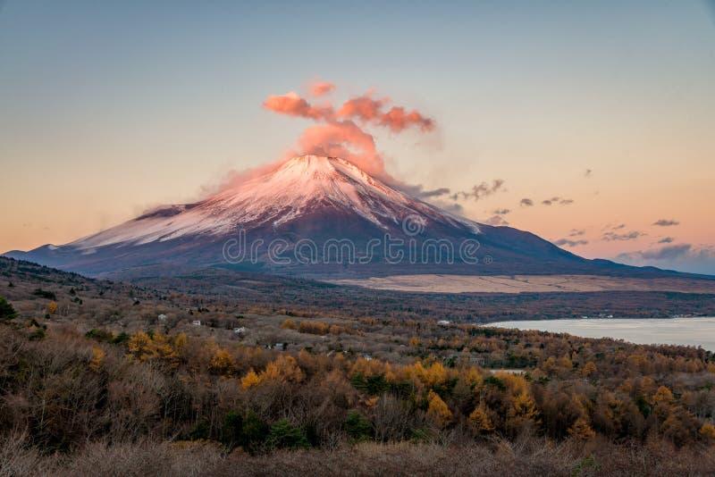 Der Fujisan im Herbst stockfoto