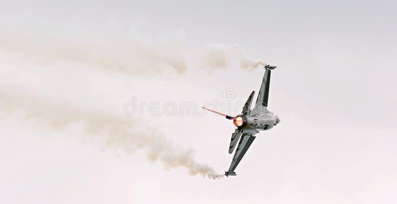 Der General DynamicsF-16kämpfende Falke ist ein multirole Strahlen-Kampfflugzeug, das ursprünglich durch General Dynamics für die stockbilder