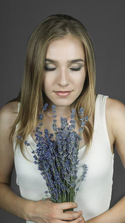 Der Geruch des Lavendels lizenzfreie stockfotografie