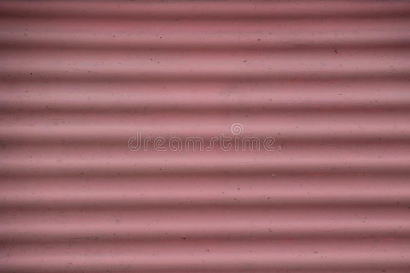Der gerunzelte Schmutz verblaßte roter rosa Hintergrund lizenzfreies stockbild
