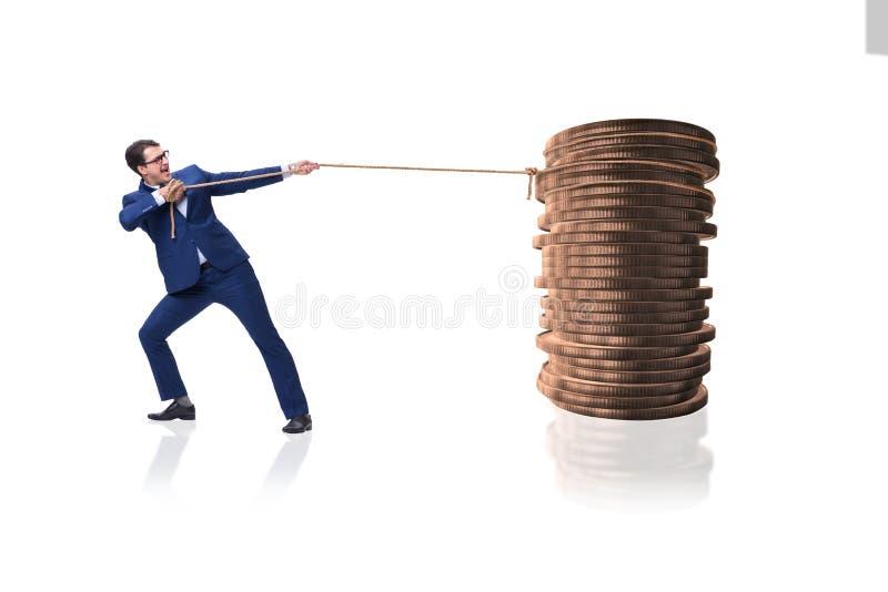 Der Geschäftsmann, der Stapel Goldmünzen zieht stockfoto