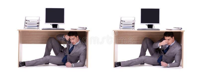 Der Geschäftsmann, der im ofice sich versteckt stockbilder