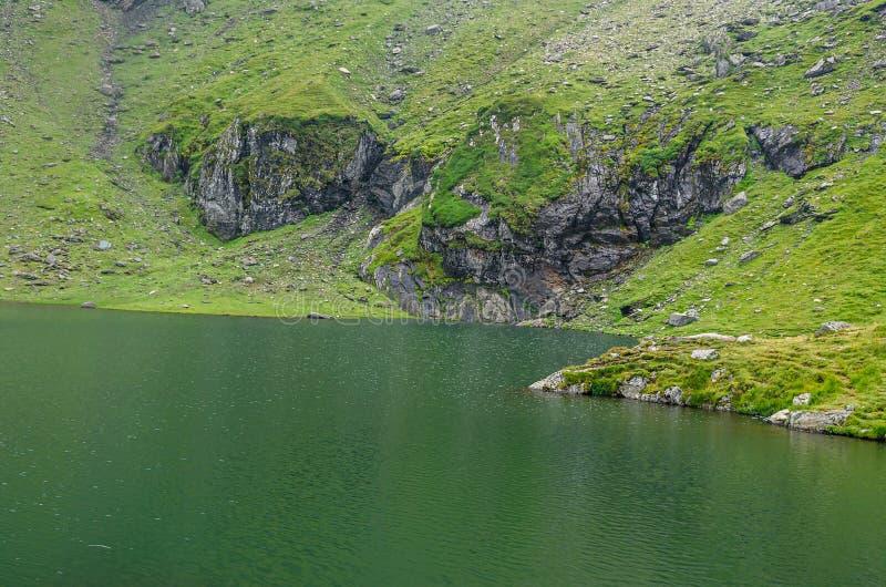 Der Gletschersee nannte Gummilack Balea Balea auf dem Transfagarasan stockbilder