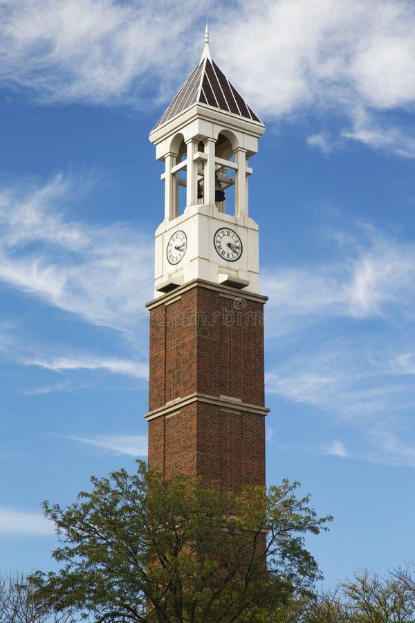 Der Glockenturm auf dem Campus von Purdue-Universität lizenzfreie stockfotos