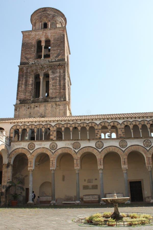 Der Glockenturm der Kathedrale lizenzfreies stockfoto