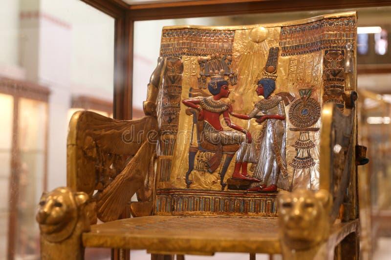 Der goldene Thron von Tutankhamun im ägyptischen Museum, Kairo, Ägypten stockbild