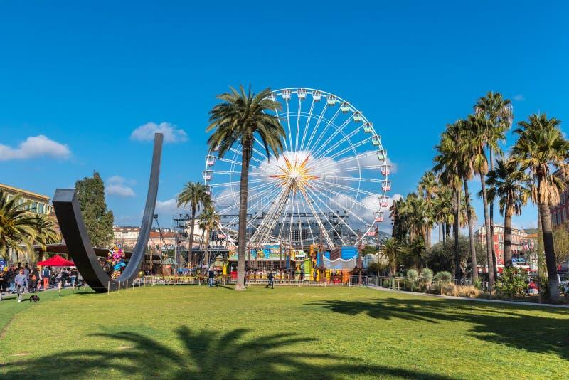Der große angemessene Karneval drehen herein Nizza, Frankreich stockfoto