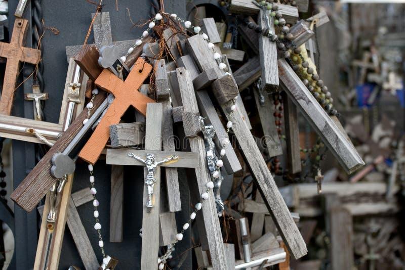 Der Hügel der Kreuze in Litauen stockbilder