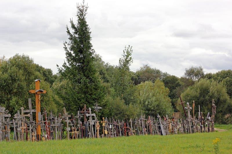 Der Hügel der Kreuze in Litauen stockfotografie