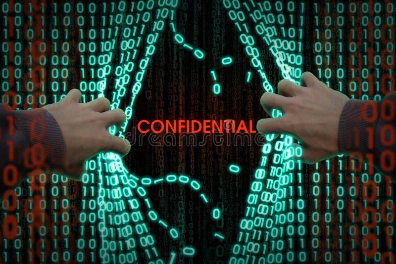 Der Hacker betritt den Computer lizenzfreie stockfotos