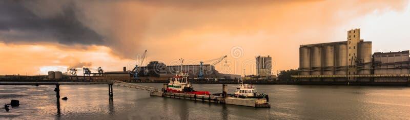 Der Hafen von Bayonne lizenzfreies stockbild