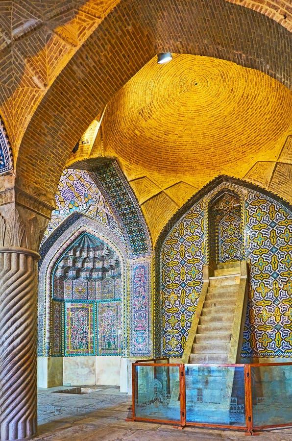 Der herrliche Innenraum von Vakil-Moschee, Shiraz, der Iran lizenzfreies stockfoto