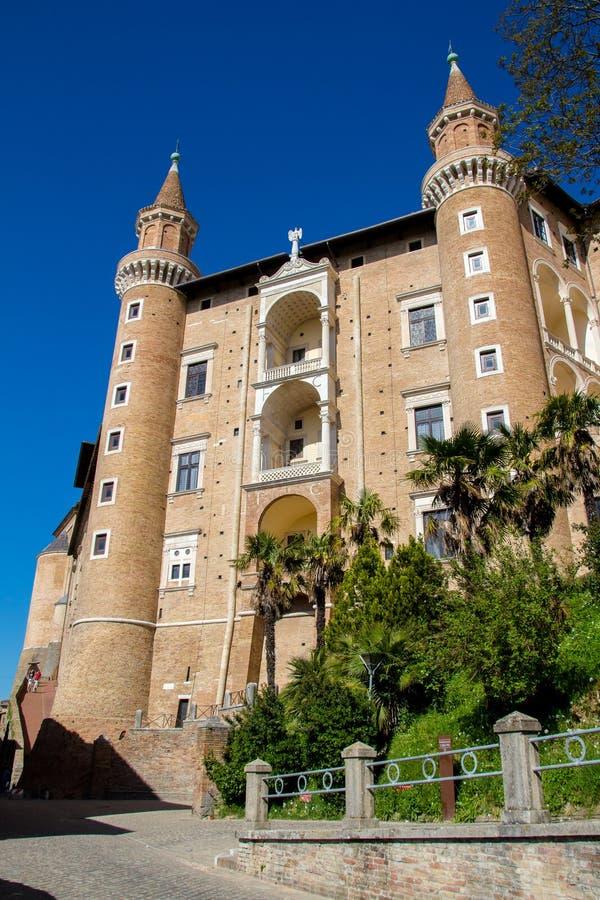 Der herzogliche Palast in Urbino, Italien lizenzfreies stockbild
