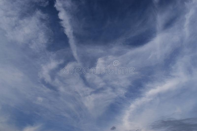 Der Himmel in der Tageszeit lizenzfreie stockfotografie