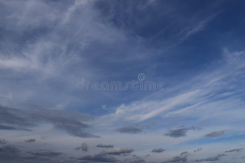 Der Himmel in der Tageszeit stockbilder