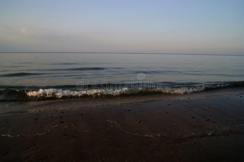 Download Der Himmel und das Meer stockfoto. Bild von wolke, meer - 90235358