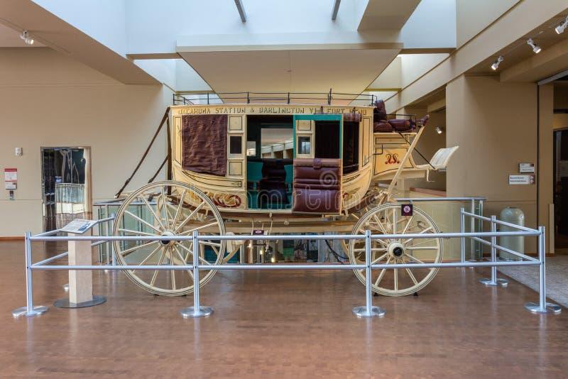 Der historische Stagecoach, der als Übereinstimmungs-Trainer, auf Anzeige in der Oklahoma-Geschichtsmitte in Oklahoma City bekann stockfoto