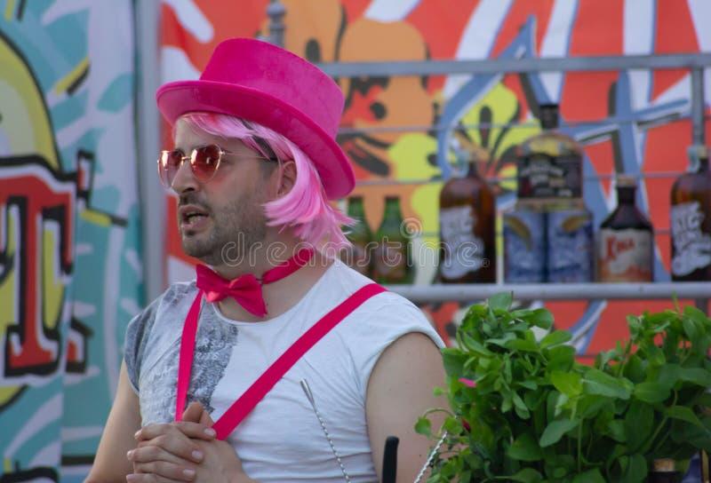 Der homosexuelle Stolz von Treviso, die Parade vor dem Duomo und in homosexuellem Stolz Marktplatz dei Signori The von Treviso, d stockbilder