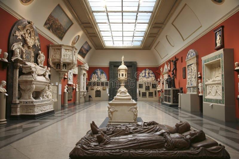 Der Innenraum der Halle der europäischen mittelalterlichen Kunst im Pushkin-Museum von schönen Künsten lizenzfreies stockfoto