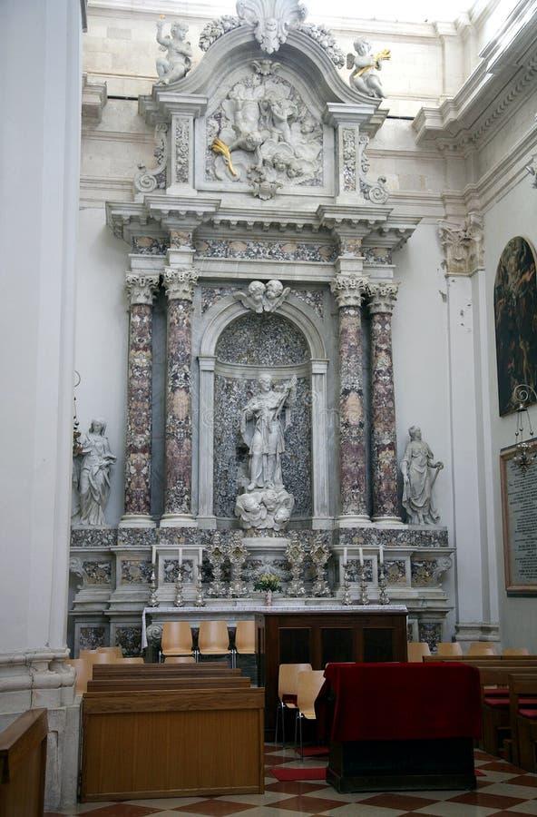 Der Innenraum der Kathedrale in Dubrovnik stockfoto