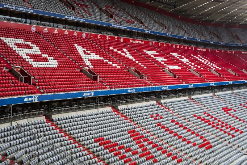 Der Innenraum des Hauptstadion Allianz Arena-Fußballverein München-Bayerns lizenzfreie stockfotografie