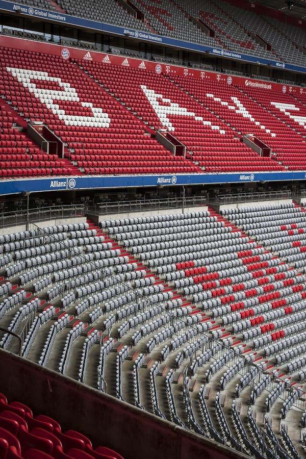 Der Innenraum des Hauptstadion Allianz Arena-Fußballverein München-Bayerns lizenzfreies stockfoto