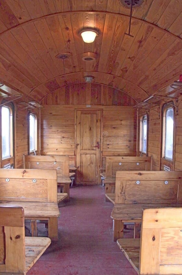Der Innenraum von einem historischen, Passagierbahnauto lizenzfreie stockfotos