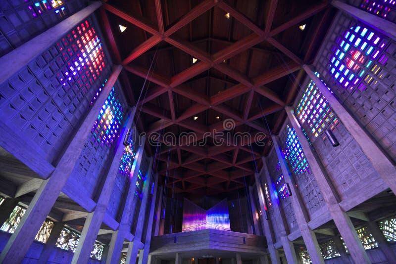 Der Innenraum von Heiliges Remy-Kirche im Bakkarat lizenzfreies stockfoto