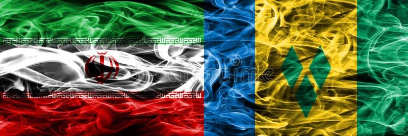 Der Iran gegen die St. Vincent und die Grenadinen Rauchflaggen nebeneinander gesetzt Dicke farbige seidige Rauchflaggen des Irane stock abbildung