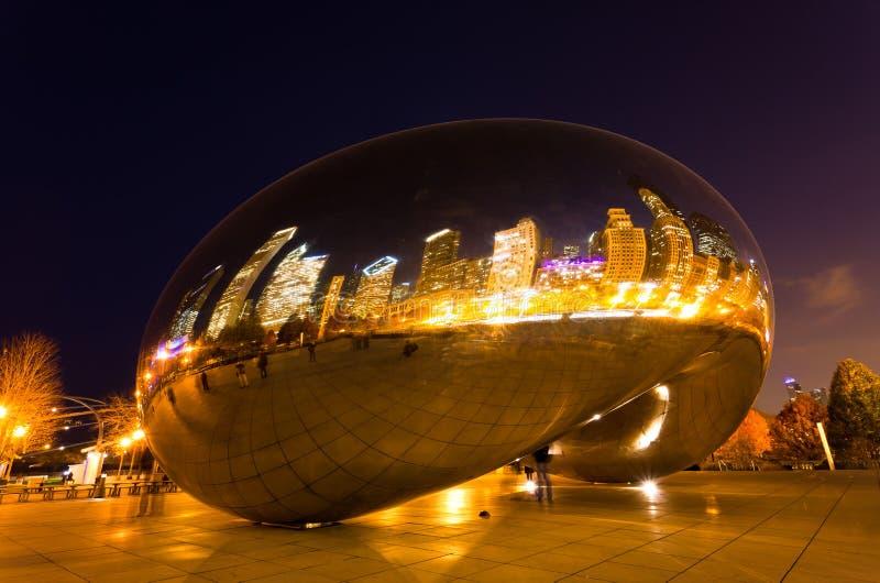 Der Jahrtausend-Park in im Stadtzentrum gelegenem Chicago lizenzfreie stockbilder