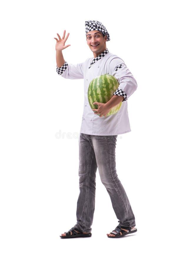 Der junge männliche Koch mit der Wassermelone lokalisiert auf Weiß stockbilder