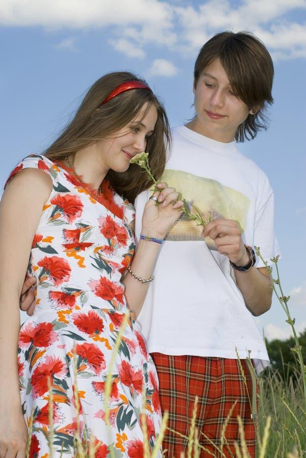 Der Junge und das Mädchen lizenzfreies stockbild