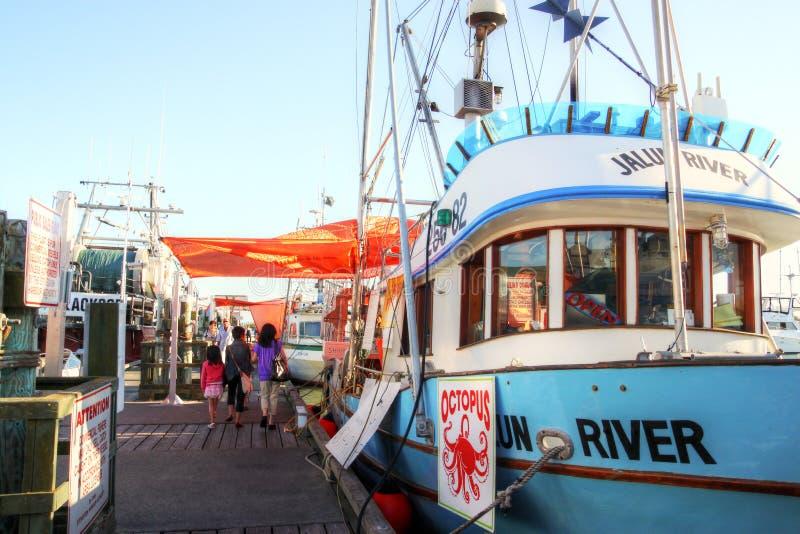 Der Kai des Fischers an Steveston-Dorf in Richmond, BC lizenzfreies stockbild