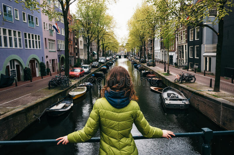 Der Kanal von Amsterdam, die Niederlande lizenzfreies stockbild