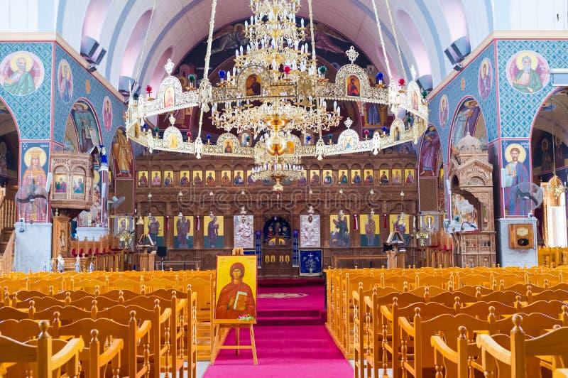 Der Kathedraleninnenraum stockfotografie