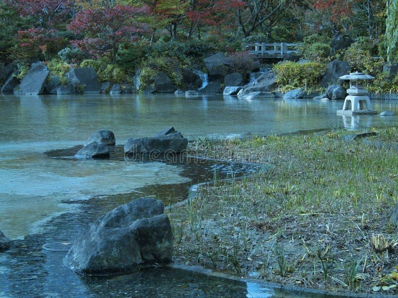 Der kleine Park in Tokyo stockbilder