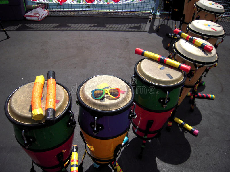 Der Kongo trommelt Newport-Reggae-Festival lizenzfreie stockfotos