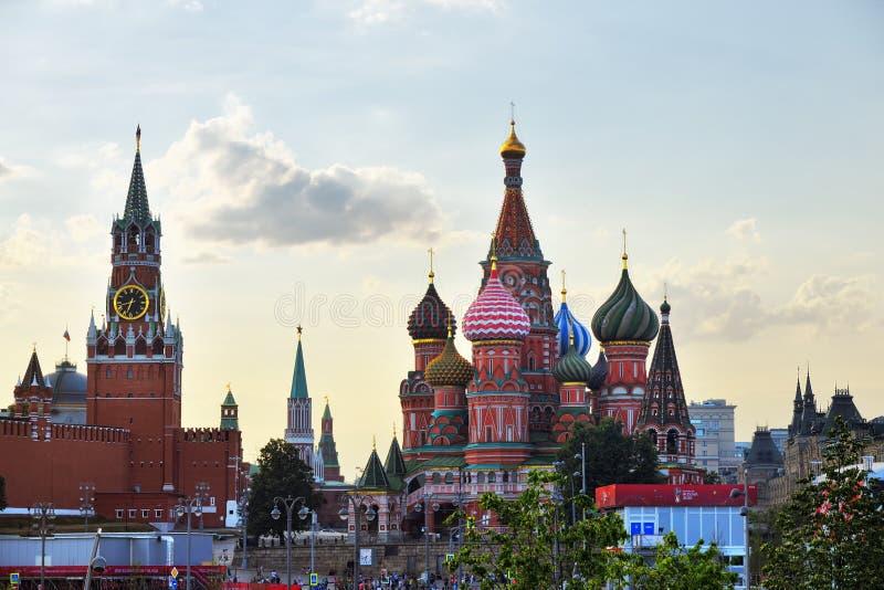 Der Kreml und Tempel von Vasiliy himmlisch lizenzfreie stockbilder