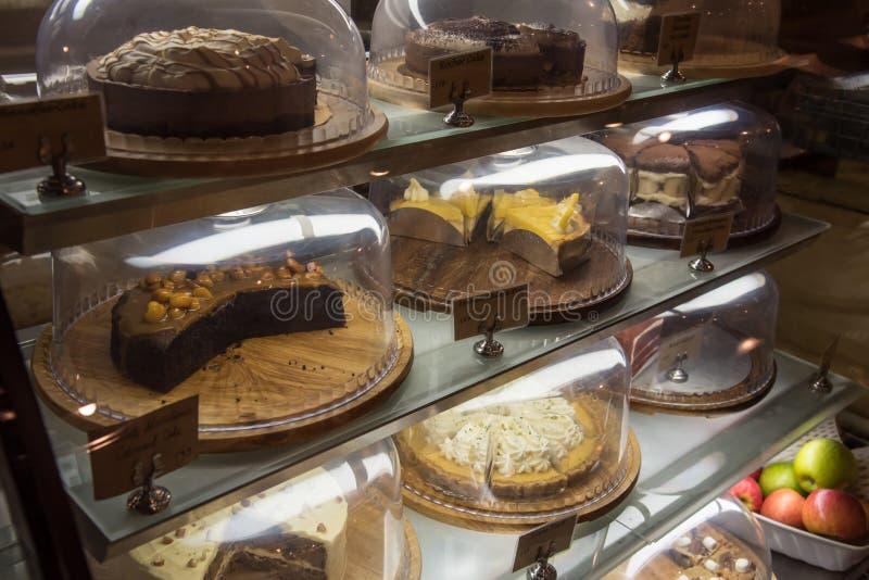 Der Kuchen für Verkauf lizenzfreie stockfotografie