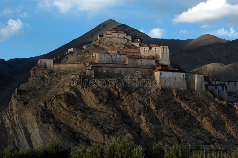 Der Lama Tempel auf dem Berg stockfotos