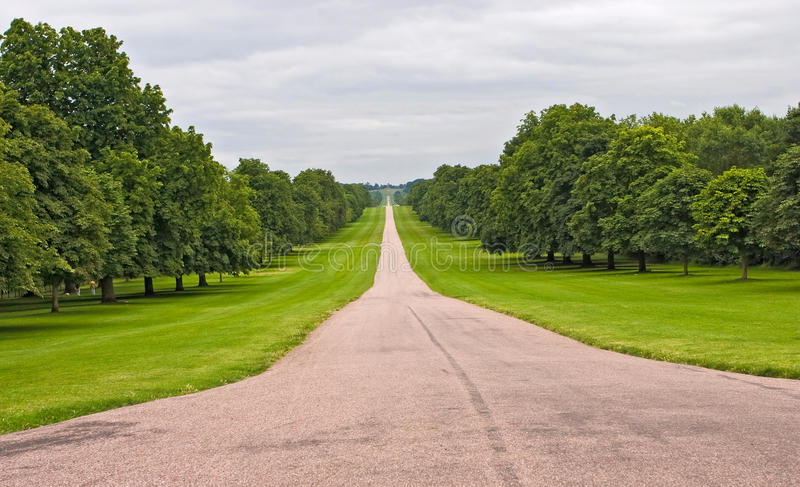 Der lange Weg bei Windsor, Großbritannien lizenzfreies stockbild
