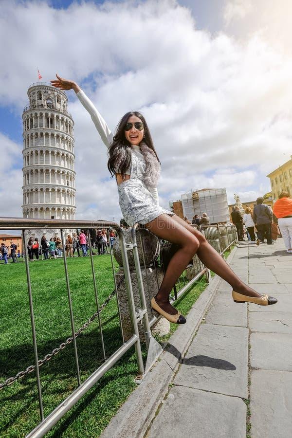 Der lehnende Kontrollturm von Pisa, Italien lizenzfreies stockfoto