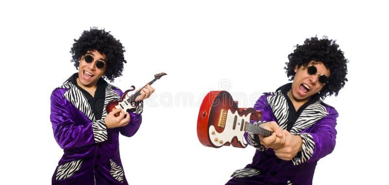 Der lustige Mann mit kleiner Gitarre stockbilder