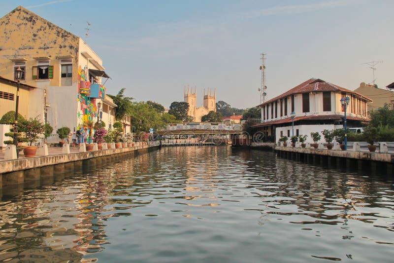 Der Malakka-Fluss Sungai Melaka, welches die alte Stadt O durchfließt lizenzfreies stockbild